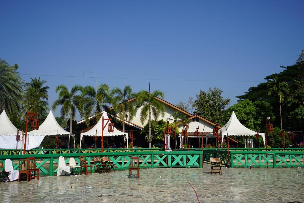SMRU 30 Year Wattana Village.jpg